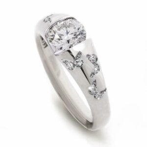 butterfly-ring-white-stone
