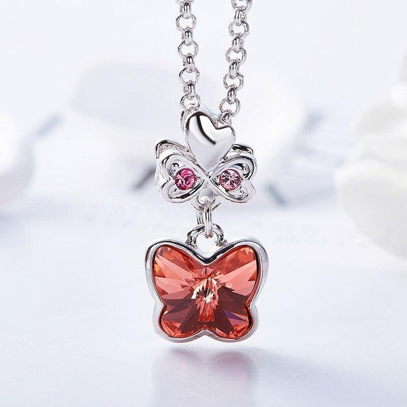 pretty-butterfly-necklace-woman